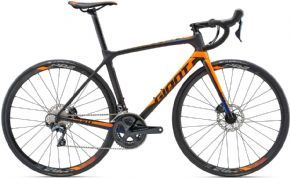 Giant Tcr Advanced 1 Disc Road Bike  - Medium (ex Display) 2018 - THIS COMPOSITE FLYER WITH Disc BRAKES DELIVERS PURE PERFORMANCE ON THE ROAD.