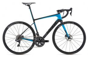 Giant Defy Advanced Sl 0 Road Bike 2018 - Medium (ex Display) - SUPERLIGHT AND ENGINEERED TO GO LONG. THIS IS THE PINNACLE OF ENDURANCE ROAD.